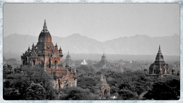 B&W red comic effect - Bagan temples